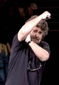 Grillo punta al 20% dei voti: ora il suo gesto ha più senso!
